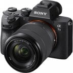Sony A7 III -järjestelmäkamera + 28 - 70 mm OSS