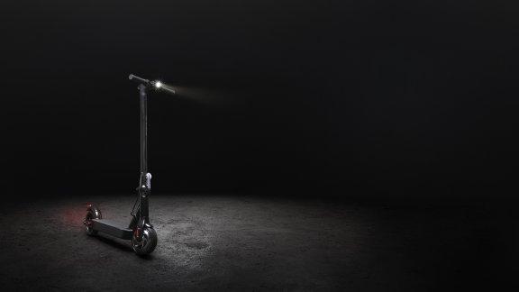 E-Way E-250 -sähköpotkulauta, musta
