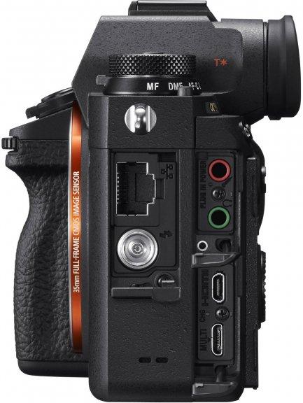 Sony A9 -mikrojärjestelmäkameran runko, kuva 4