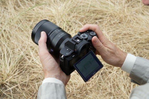 Sony α7s II -mikrojärjestelmäkamera, runko, kuva 6