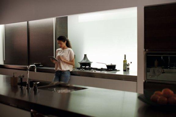 Philips Hue LightStrips Plus -valonauha, Bluetooth, 2m aloituspakkaus, kuva 18