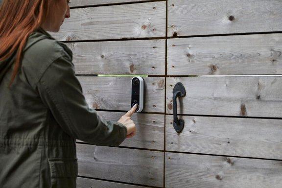 Arlo Essential Video Doorbell -video-ovikello, valkoinen, kuva 4