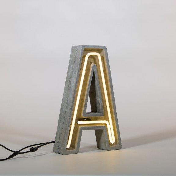 "Seletti ""Alphacrete"" Letter A -valokirjain, betoni ja lasi, 40cm, kuva 2"