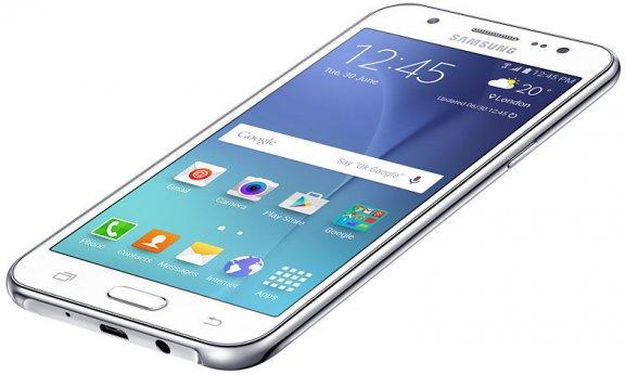Samsung Galaxy J5 -Android-puhelin, valkoinen