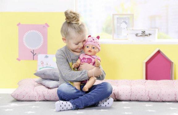 Baby Born -vauvanukke, interaktiivinen, kuva 3