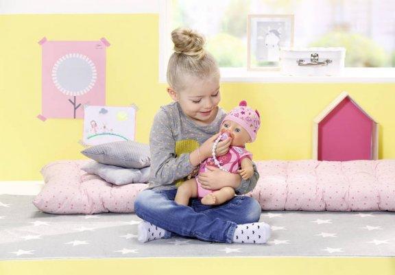 Baby Born -vauvanukke, interaktiivinen, kuva 4