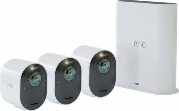 Arlo Ultra -valvontajärjestelmä kolmella 4K Ultra HD -tasoisella kameralla