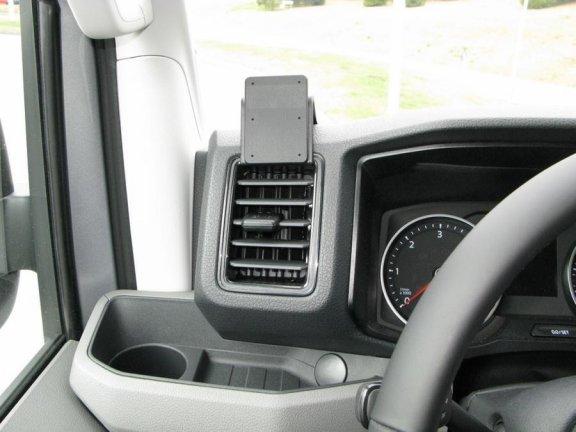 Brodit ProClip kiinnitysalusta Volkswagen Crafter 17-19 -malleihin, vasemmalle