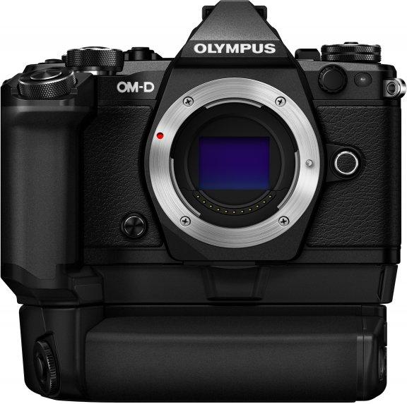 Olympus OM-D E-M5 Mark II Pro Power Kit musta + HLD-8-akkukahva + 2 akkua