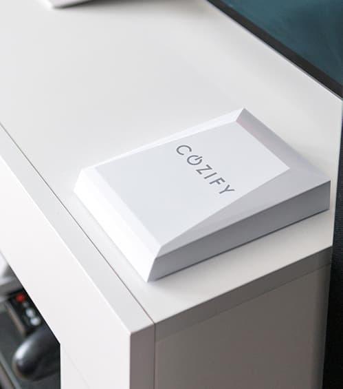 Cozify -kotiautomaatio-ohjain tv-tasolla