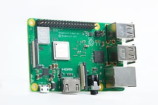 Raspberry Pi 3 model B+ - yhden piirilevyn tietokone
