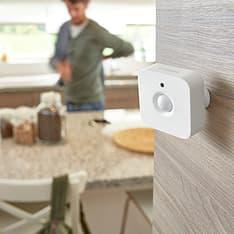 Philips Hue -tuotepaketti: White and color ambiance -starter kit E27: 3 lamppua ja silta sekä Motion sensor ja Hue Plug, kuva 11