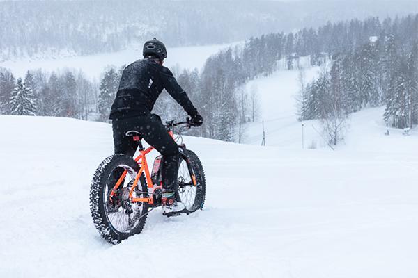 GZR-läskipyörä talven tuiskussa
